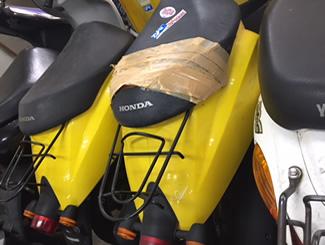 世田谷区下馬で無料で引き取りしたホンダ トゥディ(黄色)2台