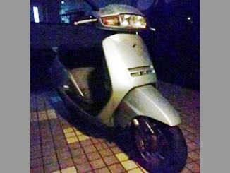 東京都八王子市長沼町で無料で引き取りしたホンダ リード50 シルバー色