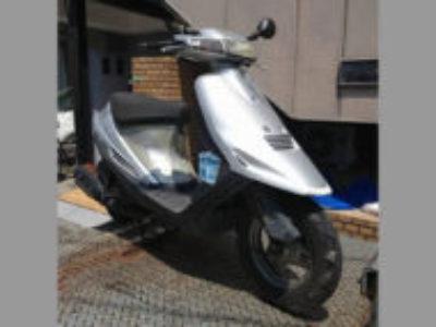 足立区東綾瀬1丁目でスズキ アドレスV100 シルバーを有料で引き取り処分