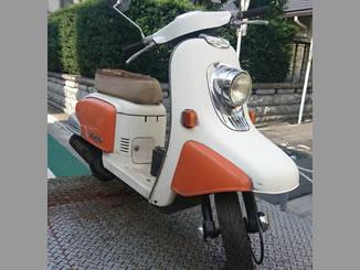 東京都板橋区氷川町で無料で引き取りをしたホンダ ジュリオ 白&オレンジ