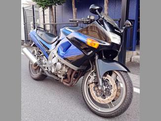 熊谷市新堀で無料で引き取りと廃車をしたカワサキ ZZR400 ブラック&ブルー