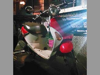 東京都足立区関原で無料で引き取りと処分と廃車手続き代行をしたスズキ レッツ4 パレット(CA45A型) レッド 前カゴ付き