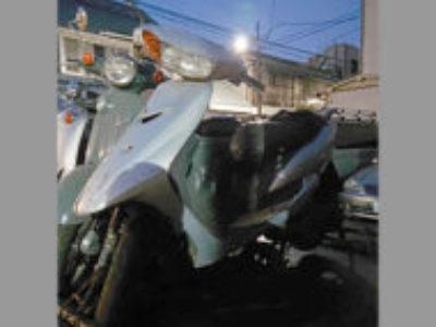 新宿区戸山1丁目で原付バイクのヤマハ JOG シルバー1を無料引き取りと処分
