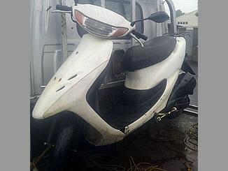 朝霞市膝折町4丁目で無料で処分と廃車をしたホンダ ライブDio S シャスタホワイト