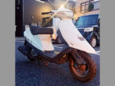 足立区西新井本町2丁目で原付バイクのスズキ アドレスV100 ホワイトを無料で引き取り処分