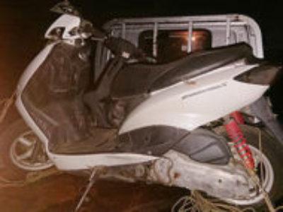 伊勢崎市柴町で原付バイクのホンダ シグナスX ホワイトを無料で引き取り処分