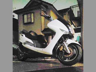 川口市里で無料で廃車と処分をしたヤマハ マジェスティ125 ホワイト