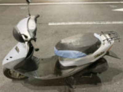 目黒区洗足2丁目で原付バイクのホンダ ライブDio シルバーを無料引き取り処分