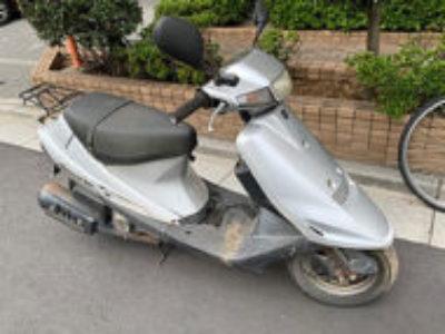足立区綾瀬3丁目で原付バイクのスズキ アドレスV100 シルバーを無料引き取りと処分