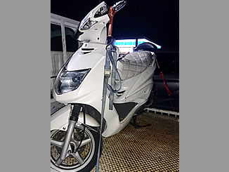 富士見市上沢1丁目で無料で廃車と処分をしたヤマハ シグナスX ホワイトメタリック1