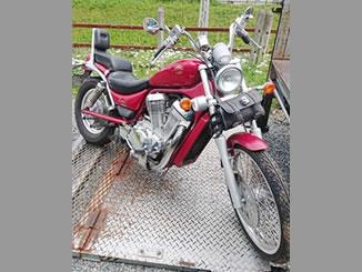 秦野市室町で無料で引き取りと廃車をした800ccバイクのイントルーダー800