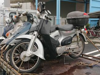 横浜市都筑区で無料引き取り処分と廃車手続き代行をした原付バイク ホンダ スーパーカブ50 ブーンシルバーメタリック/ブラック