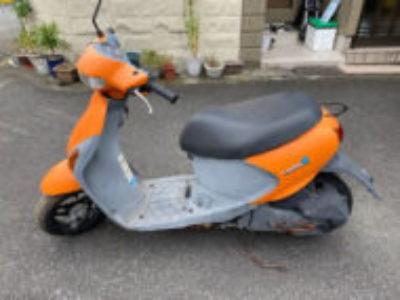 川口市で原付バイクのスズキ レッツ4 ネーブルオレンジを無料で引き取り処分と廃車手続き代行