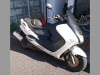 大田区で原付二種バイクのヤマハ マジェスティー125を無料引き取り処分と廃車手続き代行